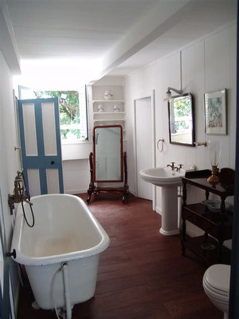 Pros And Cons Of Bathtub Reglazing Hunker