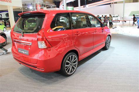 Trotle Dhaihatsu Xenia 10 daihatsu xenia scarlet rear three quarters indian autos