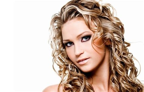 experts advice on perms how to get rid of the perm smell out of your hair http
