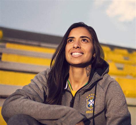 maglie brasile mondiali 2018 nike si ispira al giallo