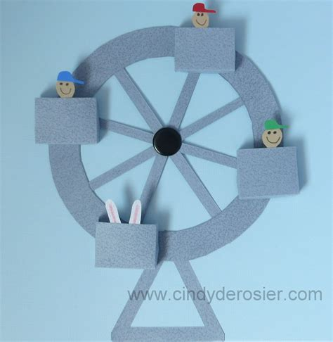 How To Make Paper Wheels - working paper ferris wheel family crafts