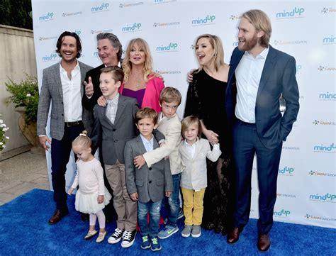 oliver hudson parents wyatt russell photos photos goldie hawn hosts annual