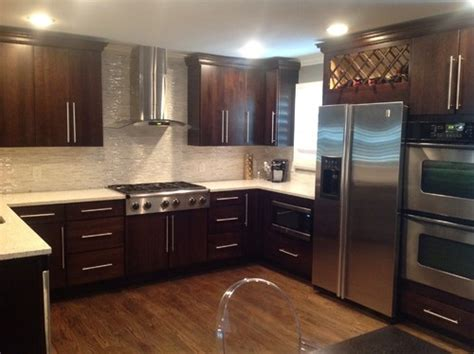 Matching Kitchen Cabinets Matching Kitchen Cabinets With Oak Hardwood Flooring