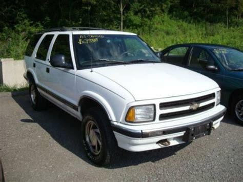 used 1997 chevrolet blazer photos used 1997 chevrolet blazer lt 4x4 for sale stock 90881a dealerrevs com dealer car ad