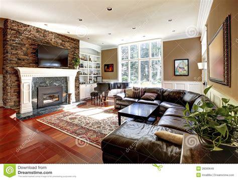 salon de luxe avec des sofas de chemin 233 e et de cuir de