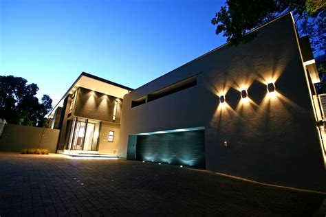 modern home lighting photo 08 contemporary exterior and garage lighting design