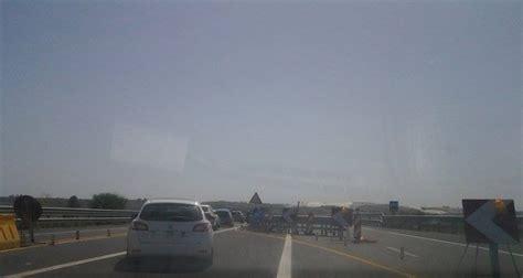 strano illuminazione catania autostrada ct sr lavori in corso e code chilometriche