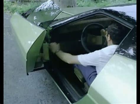 seberapa kenceng lu nutup pintu mobil kaskus