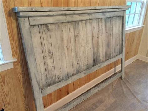 Pallet Wood Headboard Diy Pallet Wood Farmhouse Style Headboard 101 Pallets