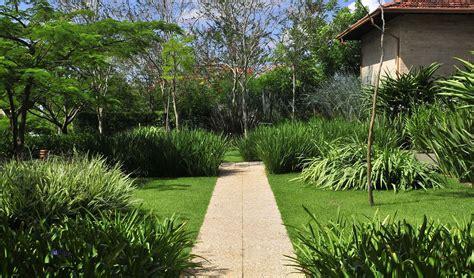 imagenes de jardines minimalistas pequeños dise 241 o de exteriores jardines modernos y tropicales