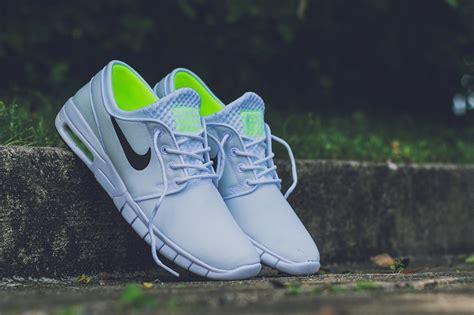 Sepatu Nike Stefanjanosky Max Pria nike sb stefan janoski max white black volt sneaker bar detroit