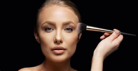 make up illuminante per viso illuminante viso quale scegliere selez