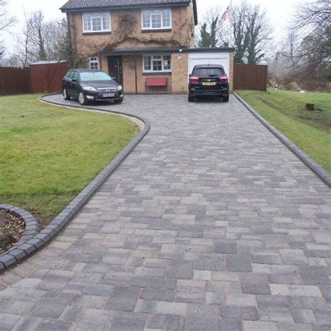 auffahrt pflastern ideen the 25 best driveway ideas ideas on stones