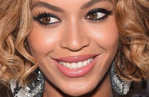 rihanna real eye color beyonce s is brown real eye color 24k ask