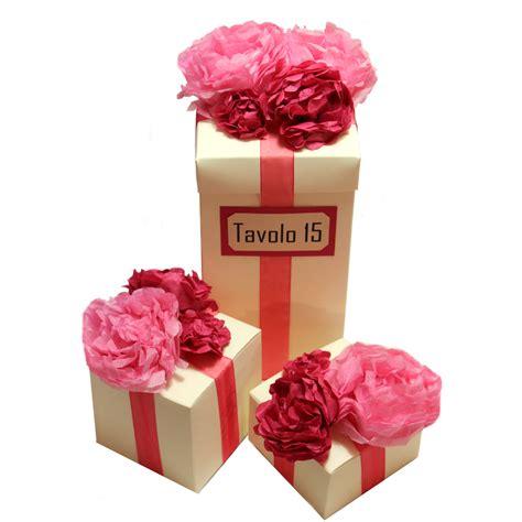 fiori fatti con la carta centrotavola scatole con fiori di carta nozzeggiando