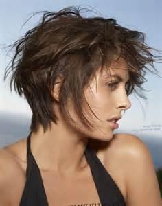 coiffure courte cheveux epais les tendances mode du