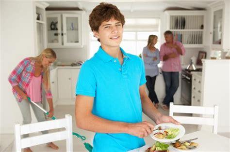 Müssen Kinder Im Haushalt Helfen by Wieviel Hausarbeit Kann Ich Meinem Zumuten