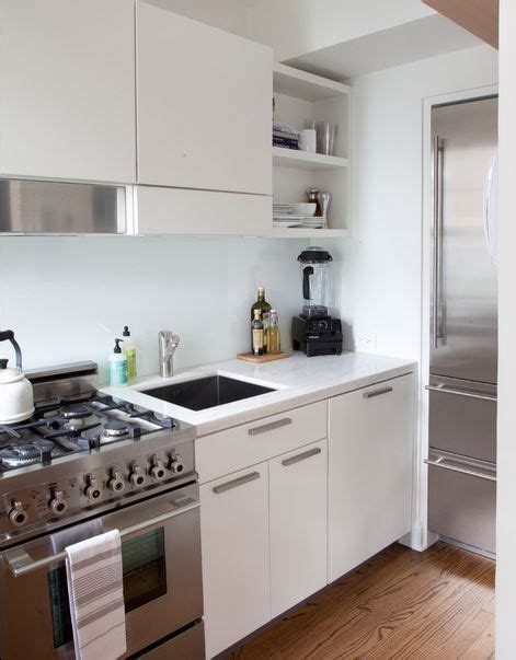 simple kitchen design for small house 25 best ideas about very small kitchen design on