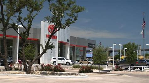 Toyota In San Antonio Tx Alamo Toyota San Antonio Tx 78232 Car Dealership And