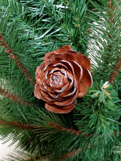 Holiday Wreath Large Deodar Cedar Pine Cone Rose Decoration Christmas