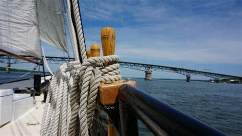 boat tour yorktown sailing yorktown trails travel