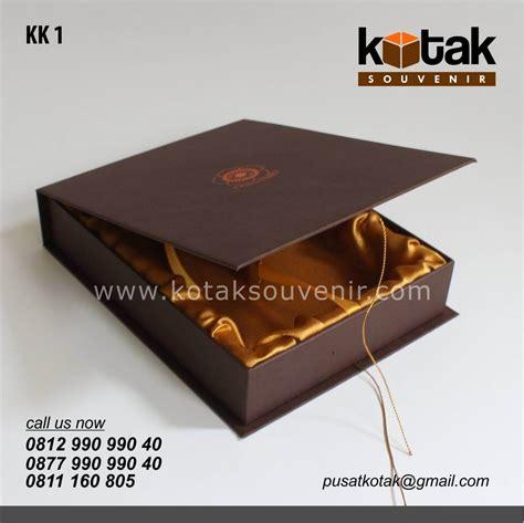 Kotak Souvenir 1 kotak kado coklat eksklusif kotak souvenir