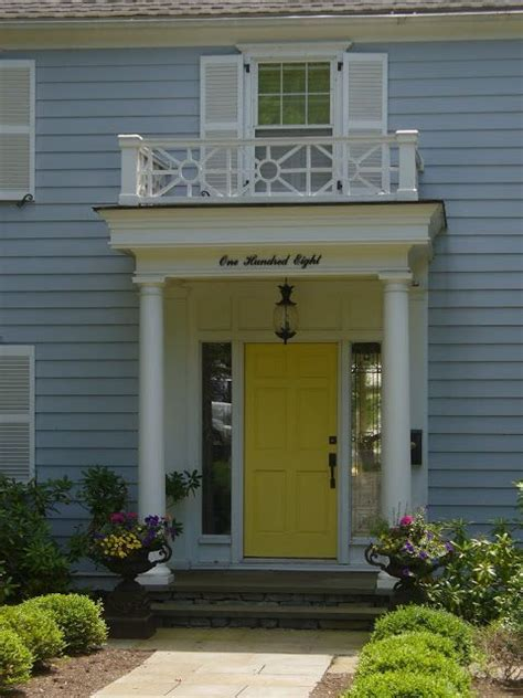 Grey House Yellow Door by Yellow Door Gray House Homes