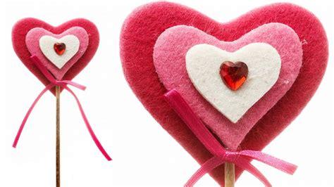 imagenes de corazones en foami piruletas de coraz 243 n de fieltro hogarmania