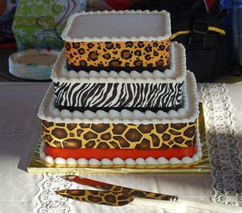 masam manis leopard cake cheetah cake leopard zebra and cheetah print cake top tier wedding