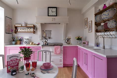 pink kitchen decor me happy by elle uy go for the pink kitchens