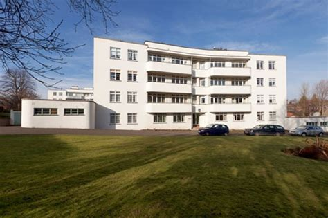 on the market two bedroom art deco flat in the ravelston