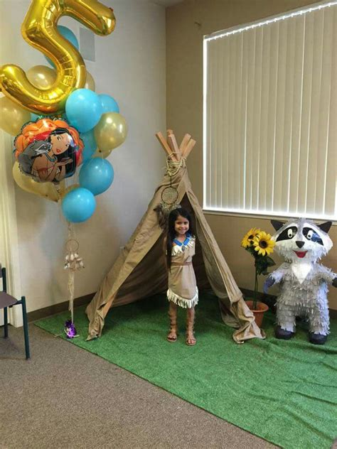 Pocahontas Decorations by Best 25 Pocahontas Birthday Ideas On