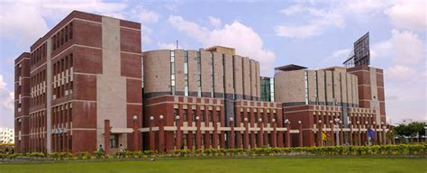 Mba In Dehradun Institute Of Technology by Dehradun Institute Of Technology Dehradun Complete