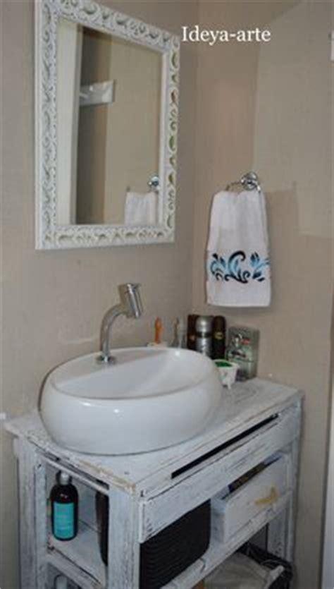 Old Kitchen Cabinets arm 193 rio feito de paletes armario para banheiro pinterest