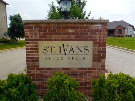 1 bedroom apartments in bloomington il st ivans apartments rentals bloomington il apartments com