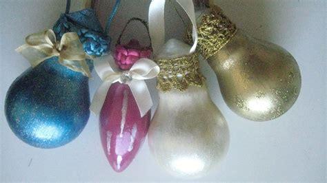 light bulbs into xmas tree ornaments recyclart