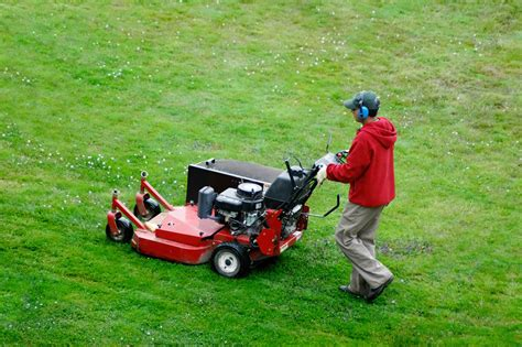 lawn care lawn maintenance almost perfect landscaping