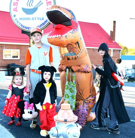 Trick Or Treat 3 by Trick Or Treat Photo 3 Vinton Messenger