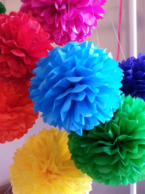 How To Make Mexican Decorations With Tissue Paper - tissue paper pom poms set of 16 mexican decor cinco