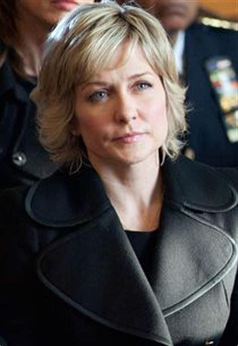 amy carlson hairstyle blue bloods 1000 images about hair makeup on pinterest amy