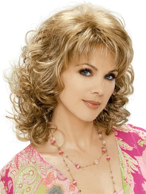 curly hairstyles for round faces over 40 16 must try shoulder length hairstyles for round faces