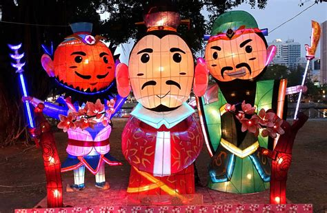 meanin of chinese lanterns at new years masks history and meaning
