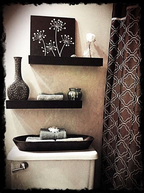 25 Best Ideas About Small Bathroom Decorating On Ways To Decorate A Small Bathroom