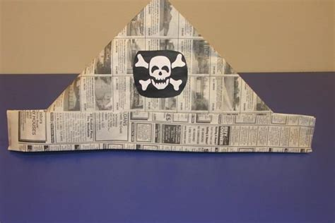 How To Make A Pirate Hat Out Of Construction Paper - preschool crafts for pirate hat newspaper craft