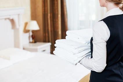 camareros de piso icei formaci 243 n contratar curso camarera de pisos barcelona
