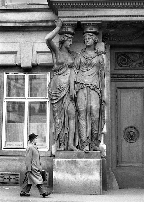 Intriguing Photos Of Pre-Cold War Vienna 1959-1960 - Flashbak