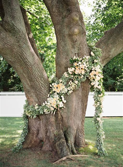 25  Best Ideas about Flower Garlands on Pinterest   Floral