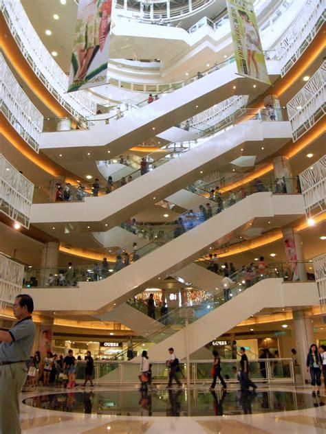 in mall file escalators in mall taiwan jpg wikimedia commons
