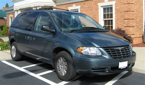 chrysler minivan file 2007 chrysler t c minivan rs model wv jpg