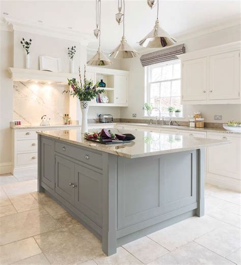 island units for kitchens 25 best ideas about kitchens with islands on pinterest